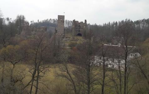 Celkový pohled na návrší s hradem