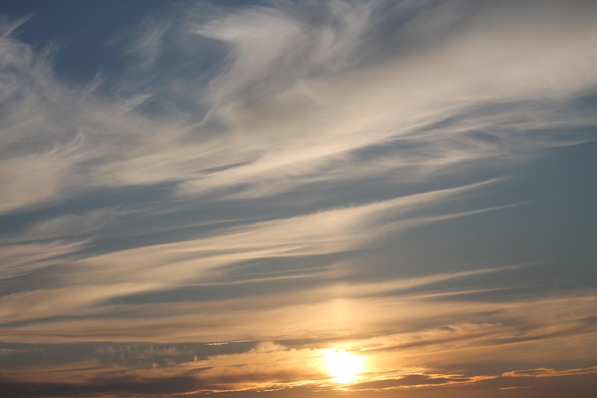 Cirrostratus oblaky