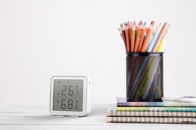 Prenosný WIFI snímač teploty a vlhkosti s LCD Tuya Smart Life