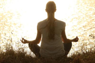Tablety, léky a doplňky pro zlepšení nálady proti depresi, stresu, úzkosti