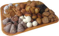 Různé druhy vánočního zdravého cukroví na táce
